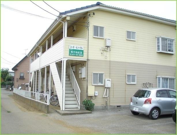 外観:2DK、6部屋のアパートです。
