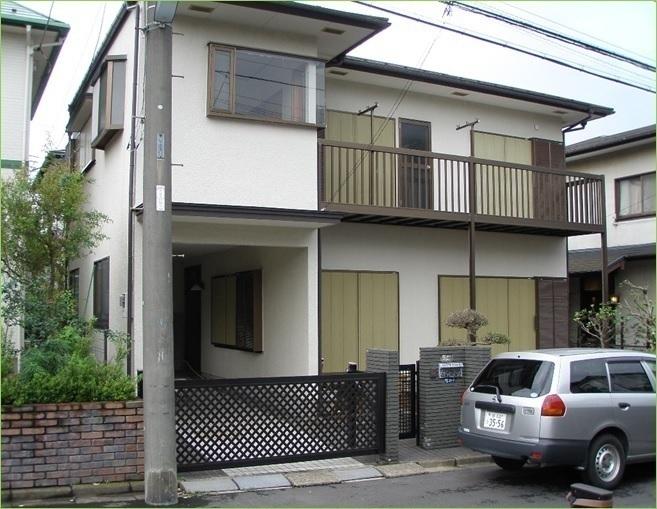 外観:木造2階建て6DKの貸家