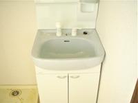洗面室:新しく交換しました
